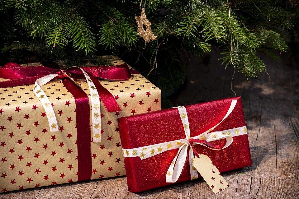 regali_sotto_l'albero